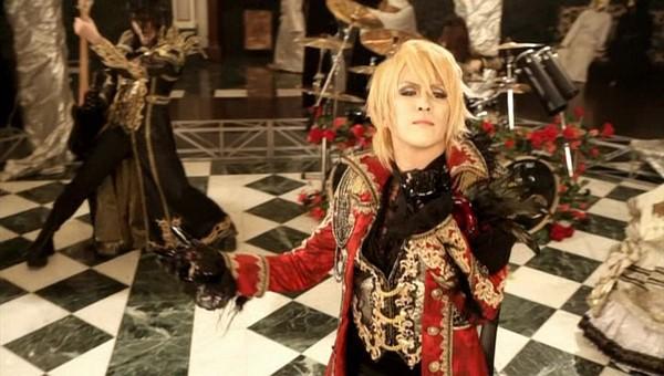 [2011.06.15] Versailles - MASQUERADE (KAMIJO ver.) (DVD) [480p]   - eimusics.com.mkv_snapshot_01.02_[2015.09.29_18.23.14]
