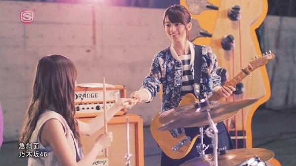 [2016.03.23] Nogizaka46 - Kyuushamen (M-ON!) [720p]   - eimusics.com.mkv_snapshot_01.11_[2016.04.09_00.32.26]